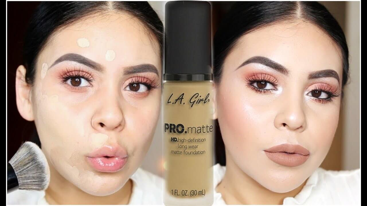 Zmatňujúci makeup na pleti modelky od značky L.A.Girl Cosmetics