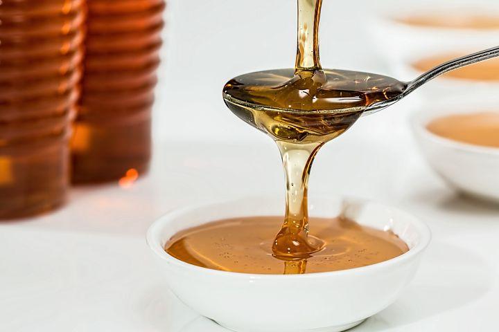 Medový peeling na rty: hlavní složka med