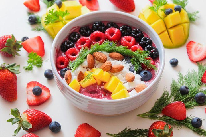 jahody, čučoriedky, ovocie, zdravie, vitamíny, minerály, ananas, výživa, zelenina,